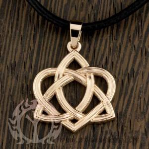 Амулет Кельтское сердце из золота